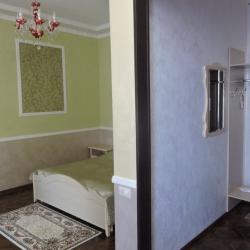 № 8. Студия улучшенная с балконом. Комната Стремоуховых
